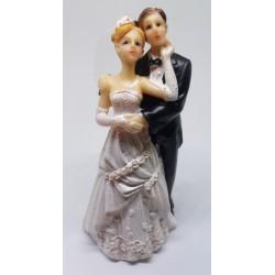 Svatební figurka Ženich objímající nevěstu (PF15)